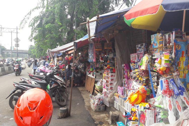 Suasana Pasar Gembrong, Jakarta Timur, pada Rabu (7/2/2018). Pasar Gembrong dikabarkan akan digusur terkait pembangunan Tol Bekasi-Cawang-Kampung Melayu (Becakayu)