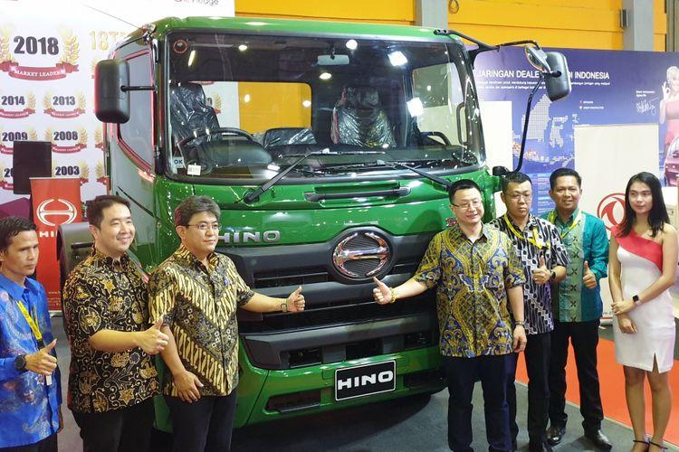 Hino bawa dua produk andalanya di IIMS Makassar 2018