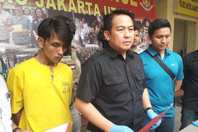 Kasat Reskrim Polres Metro Jakarta Utara AKBP Febriansyah memberikan keterangan kepada wartawan dalam konferensi pers di Mapolres Metro Jakarta Utara, Kamis (13/9/2018).
