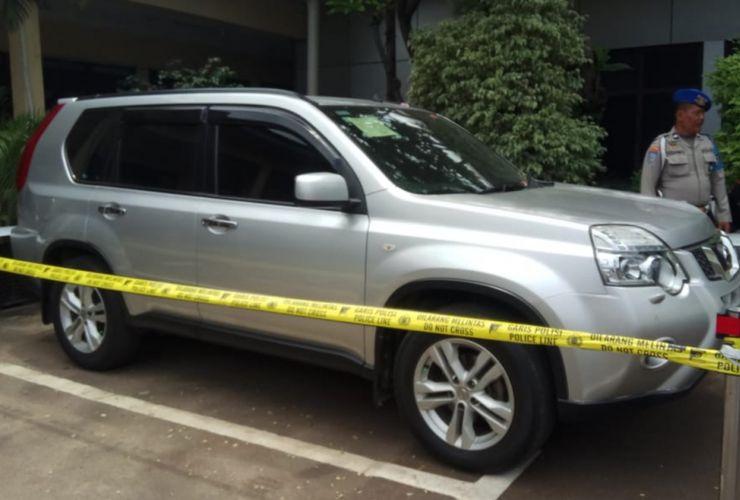 Pembunuh Satu Keluarga di Bekasi Terungkap dari X-Trail di Kontrakan