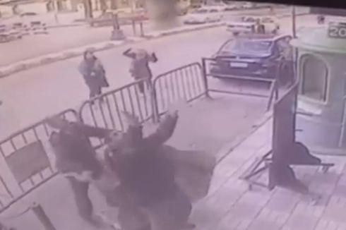 Polisi Mesir Selamatkan Bocah yang Jatuh dari Balkon Lantai Tiga
