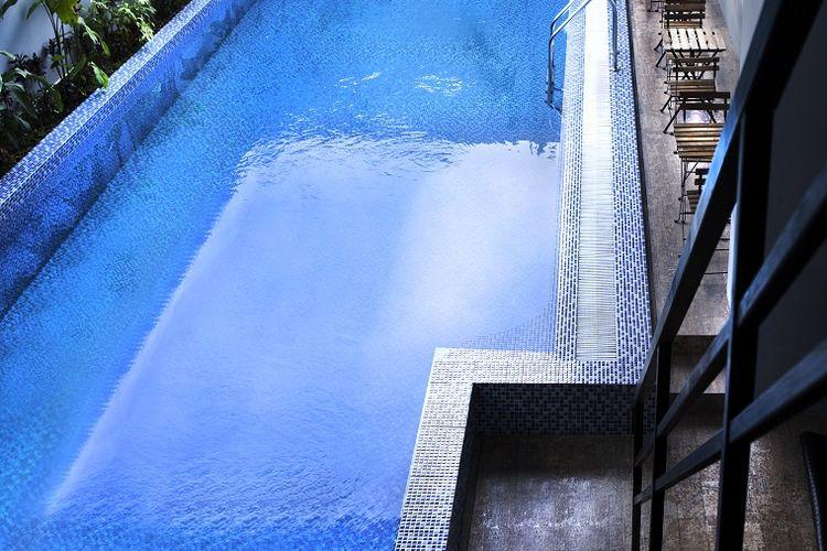 Kolam renang di Hotel Horison Yogyakarta.