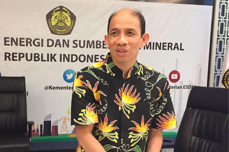 Wakil Menteri Energi dan Sumber Daya Mineral Arcandra Tahar memaparkan hasil diskusi soal penggunaan tenaga nuklir sebagai pembangkit listrik di kantor Kementerian ESDM, Jumat (3/11/2017).