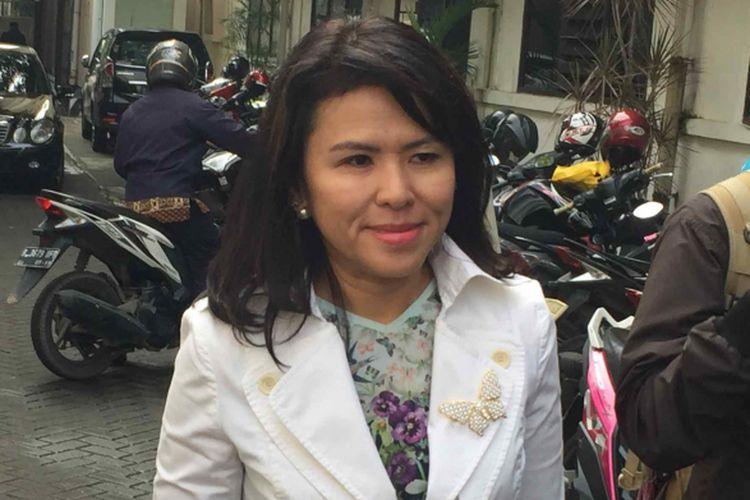 Adik sekaligus kuasa hukum mantan Gubernur DKI Jakarta Basuki Tjahaja Purnama alias Ahok, Fifi Lety Indra menghadiri persidangan gugatan cerai Ahok terhadap istrinya, Veronica Tan di Pengadilan Negeri Jakarta Utara, Rabu (7/2/2018).