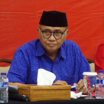 Ketua KPK Agus Rahardjo dalam konferensi pers Kinerja KPK Tahun 2017 di Gedung KPK, Jakarta, Rabu (27/12/2017)