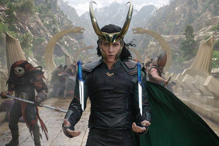 Tom Hiddleston, aktor pemeran Loki adik Thor (Chris Hemsworth).