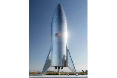 Elon Musk Pamerkan Roket Terbaru SpaceX yang Bergaya Retro