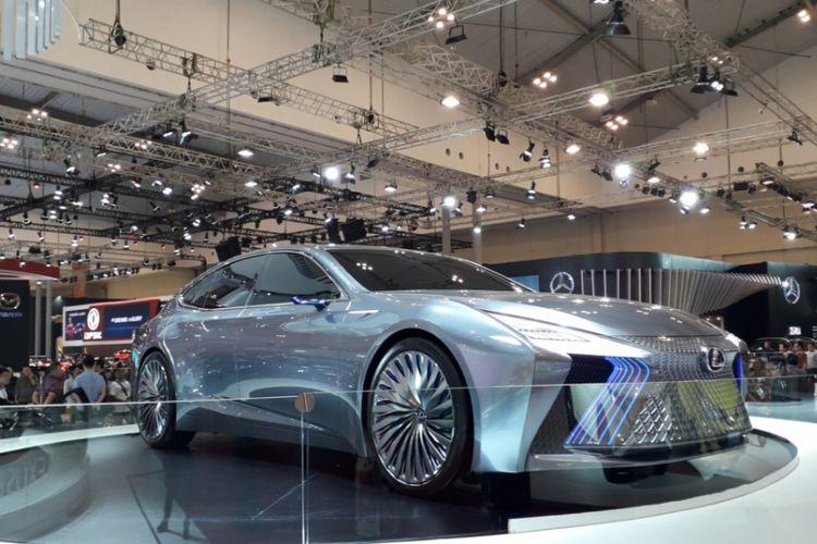 Lexus LS+ Concept yang diperkenalkan pada gelaran Gaikindo Indonesia International Auto Show (GIIAS) 2018 di ICE, BSD City, Tangerang, Kamis (2/8/2018).
