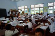 Ribuan Guru Honorer Izin Tidak Mengajar, Kelas pun Digabungkan