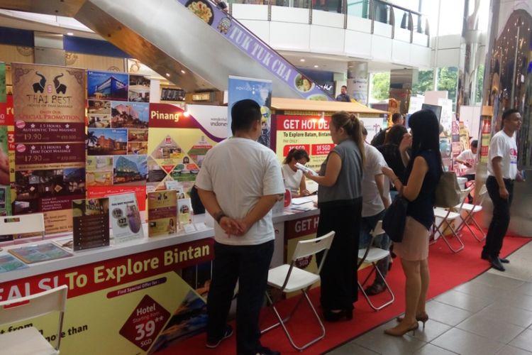Kegiatan promosi dan penjualan promo paket wisata Kepulauan Riau yang digelar Kementerian Pariwisata di Singapura, Jumat (13/10/2017).