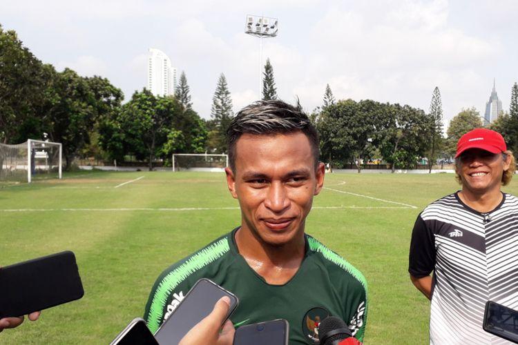 Osvaldo Haay saat mengikuti sesi latihan dalam seleksi timnas U-22 Indonesia di Lapangan ABC, Kompleks Gelora Bung Karno, Jakarta, Sabtu (12/1/2019).