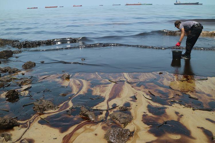 Ilustrasi pencemaran laut.