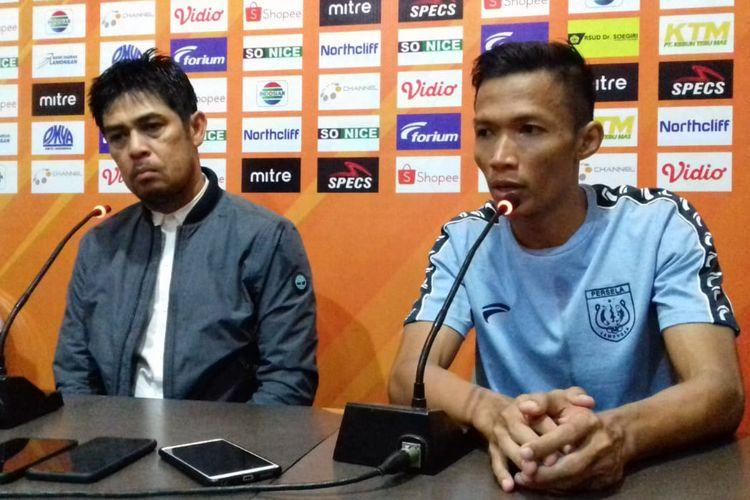 Nil Maizar dan Eki Taufik, selepas pertandingan lawan Kalteng Putra.