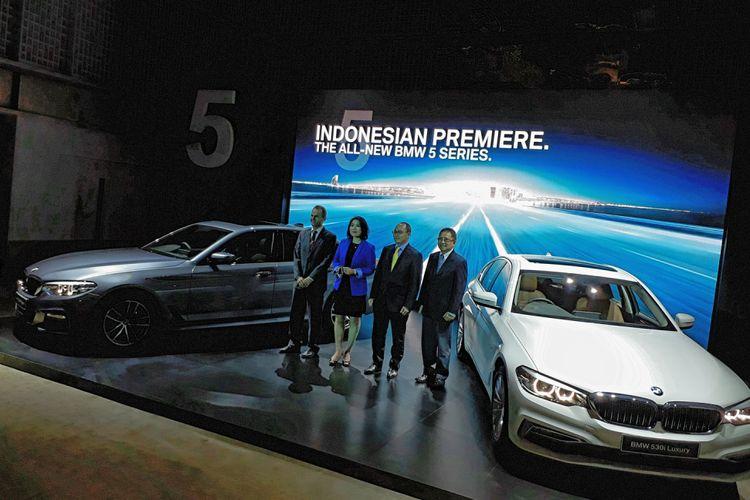Godaan BMW Seri 5 Terbaru Rakitan Lokal - Kompas.com on leo burnett indonesia, avion indonesia, mitsubishi indonesia, mtu indonesia, lada indonesia, mci indonesia, ford indonesia, lancer evo indonesia, triumph indonesia, gta indonesia, toyota indonesia, philip morris indonesia, vw indonesia, city car indonesia, off road indonesia, sony indonesia, motor drag indonesia, mcdonald's indonesia, blue bird indonesia, lexus indonesia,