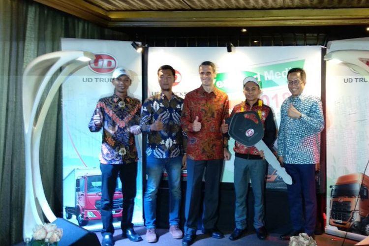 UD Truck memberikan apresiasi pada pengemudi juara kompetisi internasional