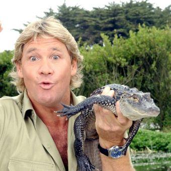 Steve Irwin saat berada di Kebun Binatang San Francisco, California, AS, pada 26 Juni 2002. (AFP/Justin Sullivan)