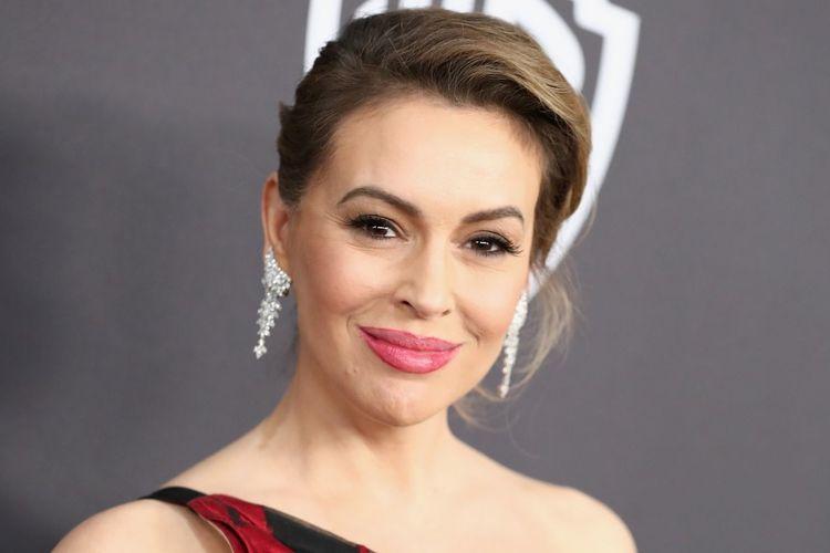 Alyssa Milano  mendesak Hollywood memboikot Georgia