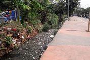 Menengok Saluran Air Penuh Sampah di Duren Sawit