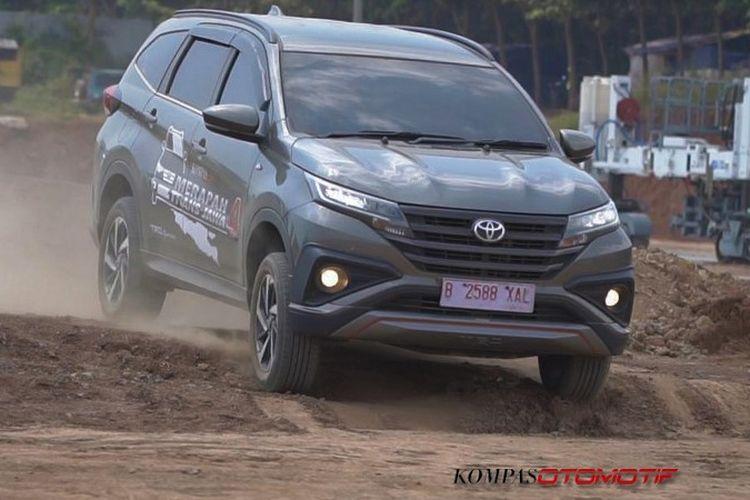 Toyota All New Rush Merapah Trans Jawa 4.0
