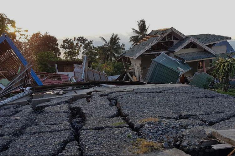 Tanah dan pemukiman yang hancur pasca bencana alam gempa bumi melanda Palu akhir September lalu.