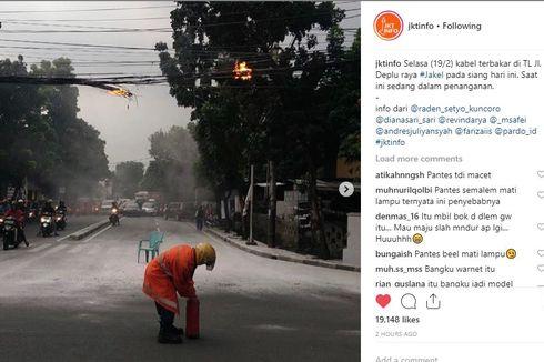 Gulungan Kabel PLN Terbakar di Bintaro