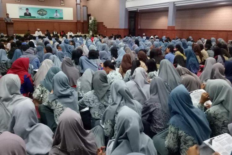 Kegiatan Pemuda Membaca Kitab Suci di Auditorium Pemkab Mamuju, Sulawesi Barat menjadi program nasional Kemenpora.