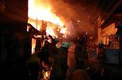 Kebakaran di Tomang Senin Dini Hari, Petugas Masih Menjinakkan Api