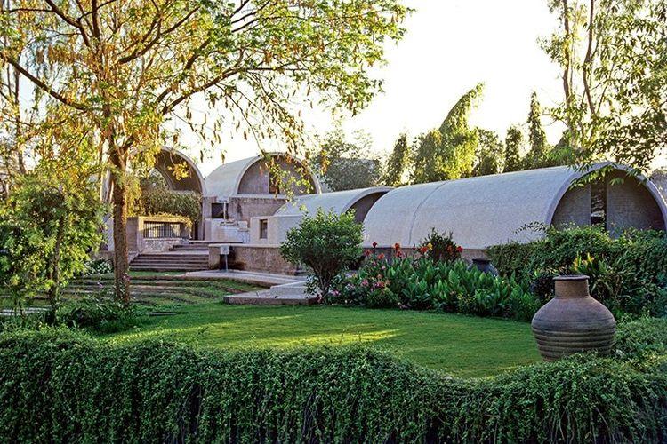 Sangath Architect?s Studio karya arsitek Balkrishna Doshi.