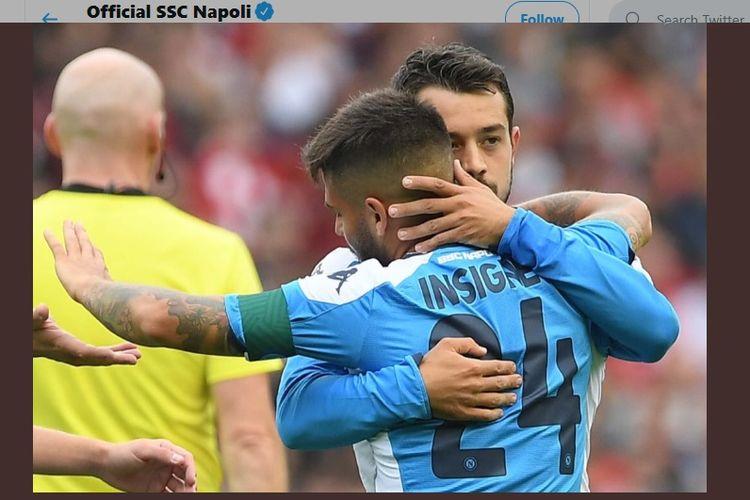 Lorenzo Insigne dan Amin Younes merayakan gol timnya pada pertandingan Liverpool vs Napoli di Edinburgh, 28 Juli 2019.