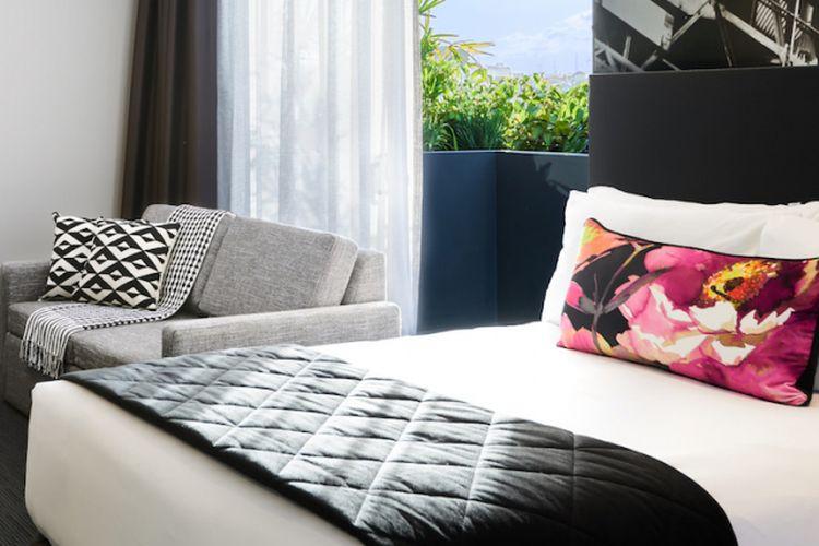 Kamar di salah satu properti Next Hotels