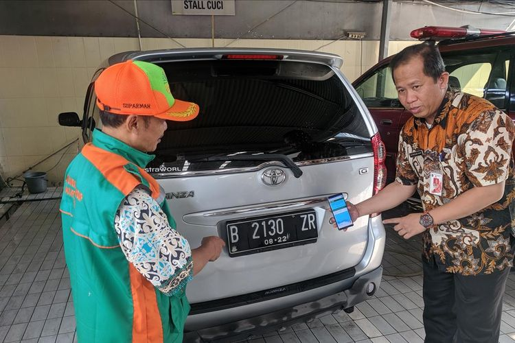 Cara kerja aplikasi E-Uji Emisi yang diluncurkan Pemerintah Provinsi DKI Jakarta pada Selasa(13/8/2019)