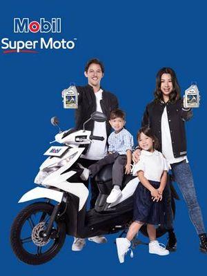 Irfan Bachdim jadi duta merek peluncuran oli baru Mobil Super Moto.