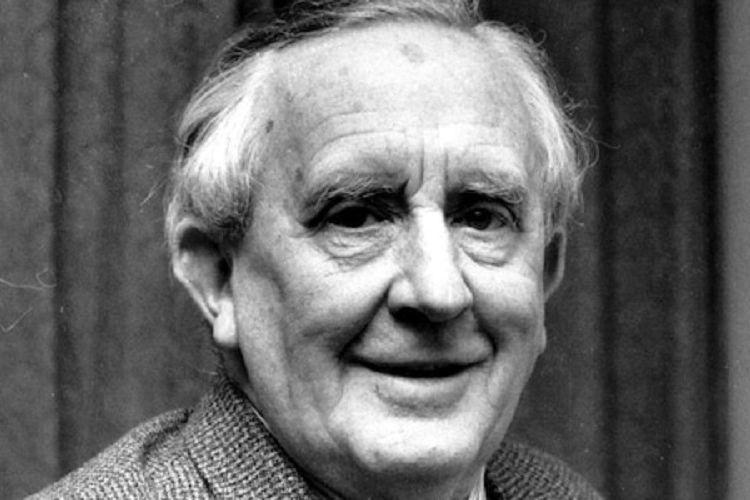 JRR Tolkien, pengarang novel The Hobbit dan The Lord of the Rings.