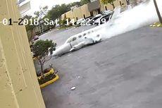Pesawat Terbang Ringan Jatuh dan Tabrak Tembok Gedung di Florida, 2 Tewas
