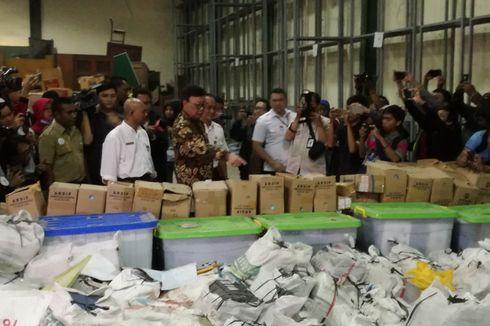 Mendagri Tinjau Gudang Penyimpanan E-KTP Rusak di Bogor