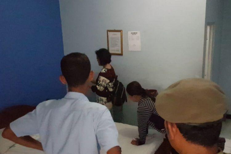 Petugas Gabungan Satpol PP DIY dan Gunungkidul Menggelar Razia di Salah Satu  Penginapan di Jalan Baron a43d093387