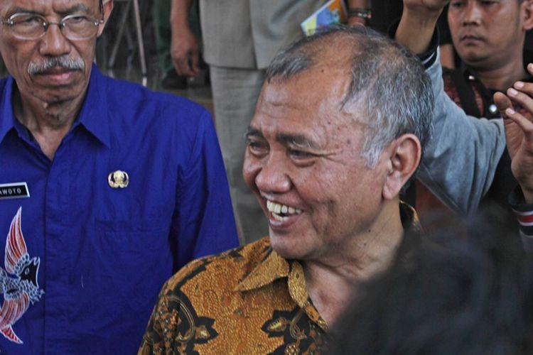 Ketua KPK Blusukan ke Sungai Mahakam dan Temukan Penumpukan Batubara Ilegal