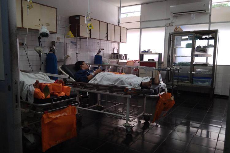 Korban tabrakan Toyota Avanza dan Kijang di Tol Cawang, Senin (11/12/2017)