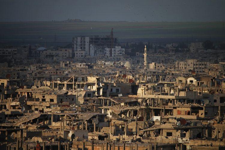 Foto yang diambil pada 29 Maret 2018 menunjukkan situasi kota Daraa di selatan Suriah. Wilayah Provinsi Daraa diyakini akan menjadi tujuan selanjutnya pasukan rezim Assad setelah membebaskan Ghouta Timur dari pemberontak.