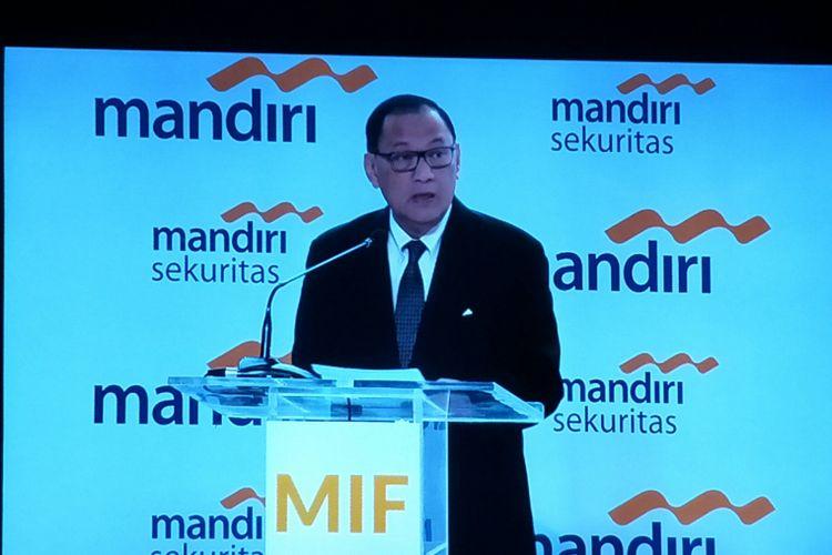 Gubernur Bank Indonesia (BI) Agus Martowardojo saat menjadi pembicara di acara Mandiri Investment Forum di Hotel Fairmount, Jakarta, Rabu (7/2/2018).