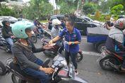 Caleg Artis Partai Nasdem Kampanye 'Hormati Guru' di Surabaya