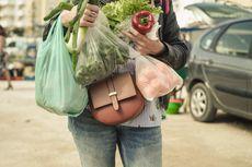 Aprindo: Kebijakan Kantong Plastik Berbayar Masih Tahap Sosialisasi