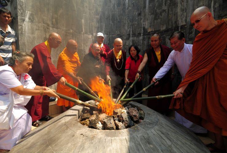 Kisah Sejarah Api Abadi Mrapen yang Dipakai untuk Asian Games