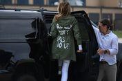 Hendak Kunjungi Migran Anak, Jaket Melania Trump Malah Jadi Sorotan