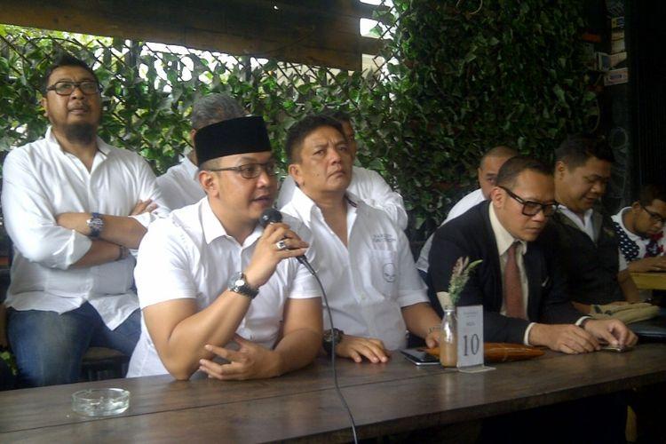 Kandidat calon Wali Kota Bandung Faizal Syamsul Bahri saat mendeklarasikan diri maju di Pilkada Kota Bandung, Jumat (10/11/2017).