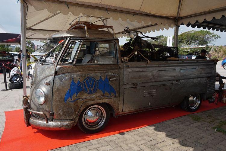 Mobil klasik seperti Volkswagen Dakota Single Cab tahun 1981 juga hadir meramaikan kontes modifikasi mobil Blackauto Battle Makassar.