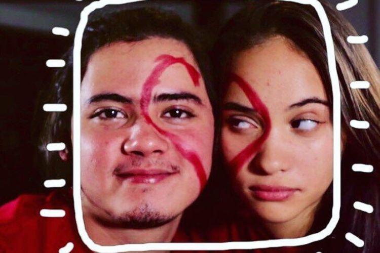 Kali ini Aliando dan Aurora semakin terlihat semakin kompak saat mengajak penggemar dan masyarakat untuk bermain face of love challenge.