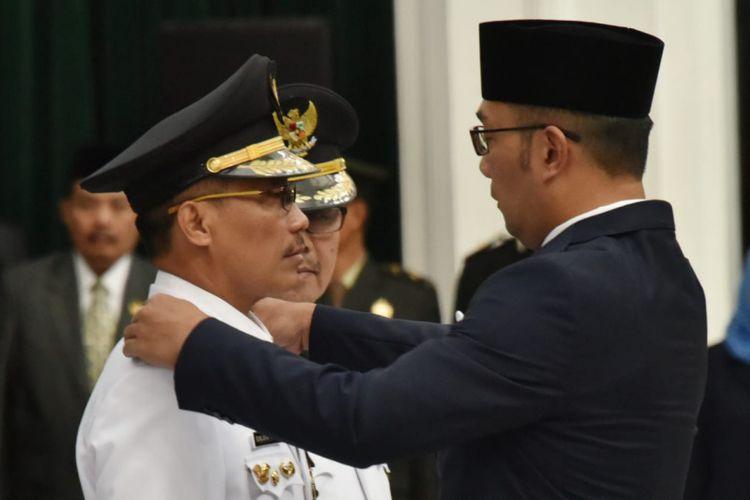 Ridwan Kamil Lantik Imron Rosyadi Jadi Plt Bupati Cirebon
