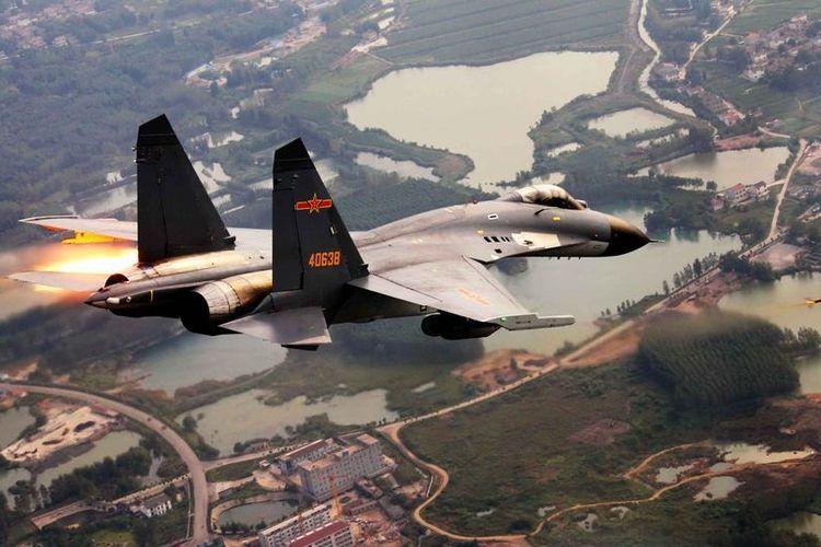 Latihan militer China di Jinan, dekat perbatasan dengan Korea Utara.