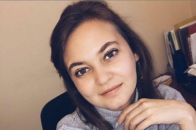 Anna Anufrieva. Seorang PNS di Rusia yang menuai kemarahan publik setelah berpose bugil bagi majalah Playboy.